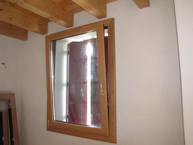 Finestre alluminio legno produzione e installazione vicenza euroser - Finestre legno e alluminio ...